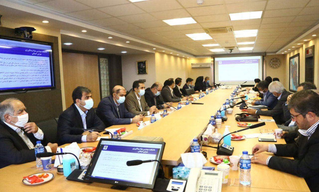 Gharibpour: Rare metals, gems and decorative stones are on the table of cooperation between IMIDRO and the University of Science and Technology